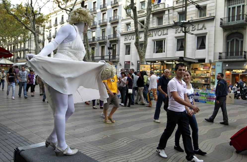 Barcelona 07.10.2010 Una de las estatuas de La Rambla © Marcel.lí Sàenz