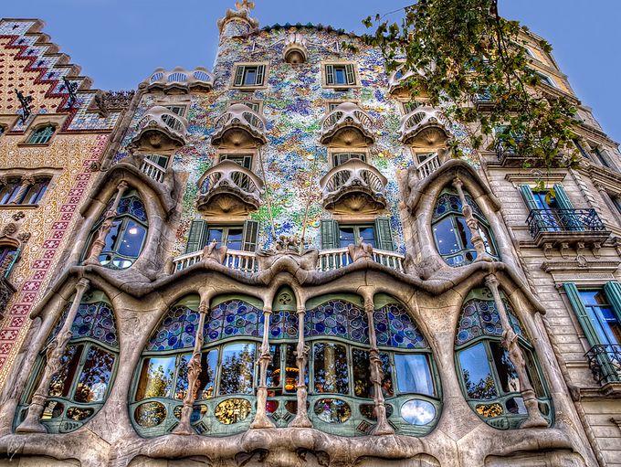 バルセロナ観光に行く時のベストな滞在日数や注意すべきことを移住者が解説