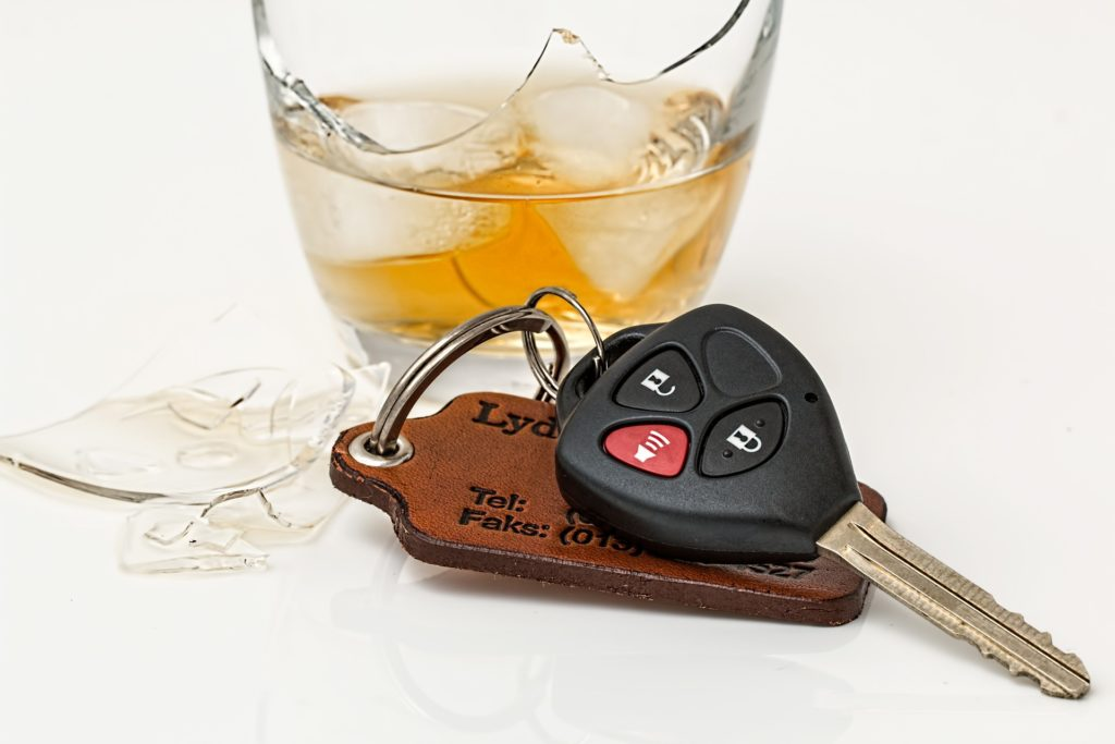 drink-driving-808790_1920