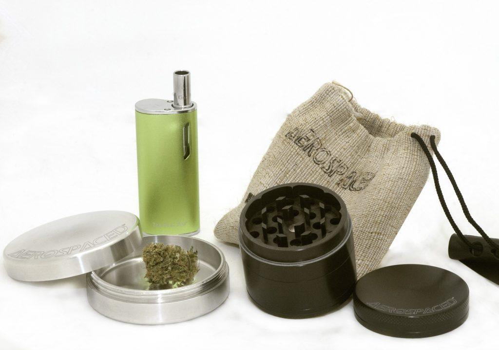 marijuana-2690984_1920