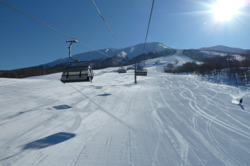 秋田県のおすすめスノボー&スキー場!人気ランキングBEST10